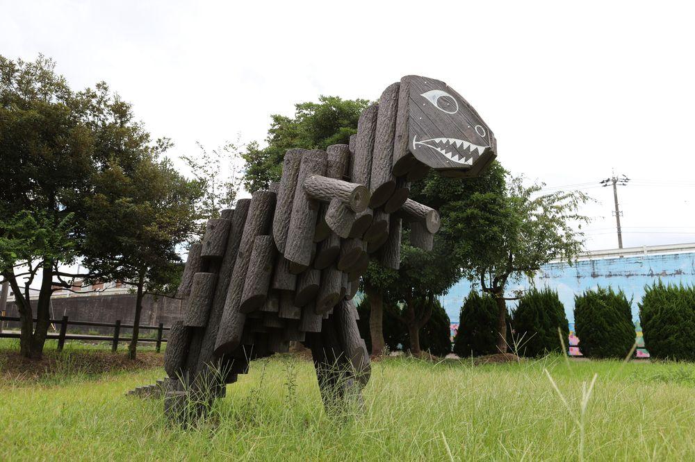 となみ公園ポータル 深江ひがし緑の公園 恐竜