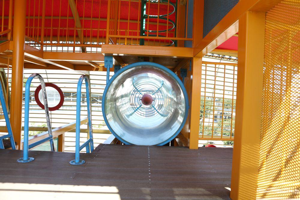 となみ公園ポータル 砺波総合運動公園(風の丘公園) 複合遊具3階